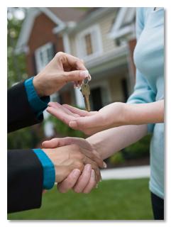 Es wird Zeit, aus der eigenen Umgebung auszubrechen. Denn, ob sie dort ein neues Haus haben oder nicht, es wird immer noch das gleiche sein.